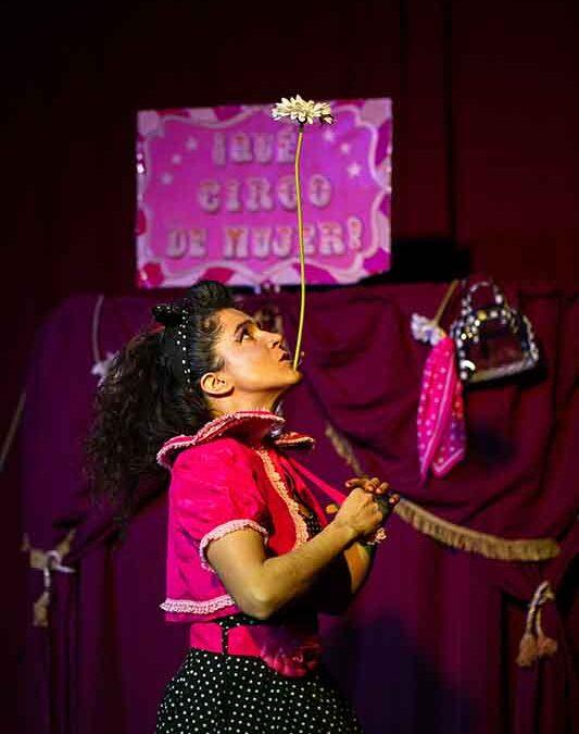 ¡Qué circo de mujer! en La escalera de Jacob